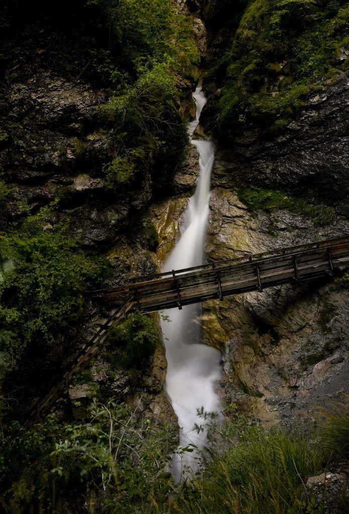 fotografía de cascadas